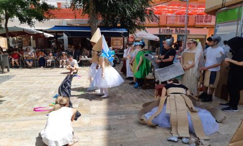 La princesa y el dragón (teatro en la calle, Plaza Balbuena)